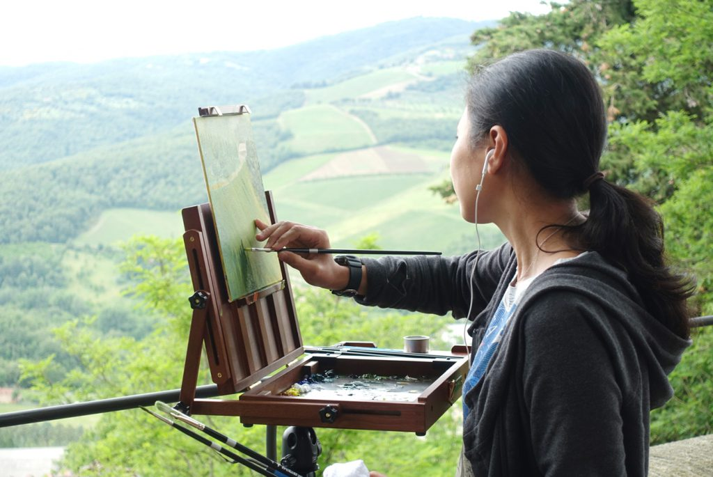 Momo spends her last day painting the Tuscan countryside.